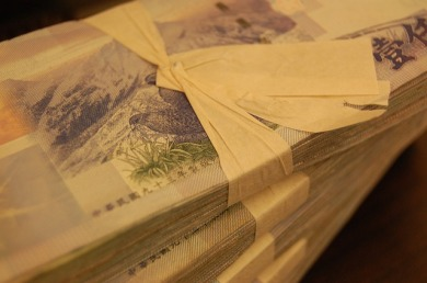 money-880802_640